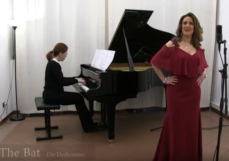 Video: Soprano Elita Cistola - The Bat (Die Fledermaus) - Adele